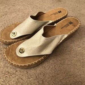 White mountain sandal